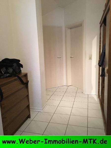 Immobilienmakler in Kriftel TOLLE DG-Wohnung mit TGL Dusch-Wannenbad, sep. Gäste-WC, SONNEN-Loggia, Abstellraum, Duplex-Parker