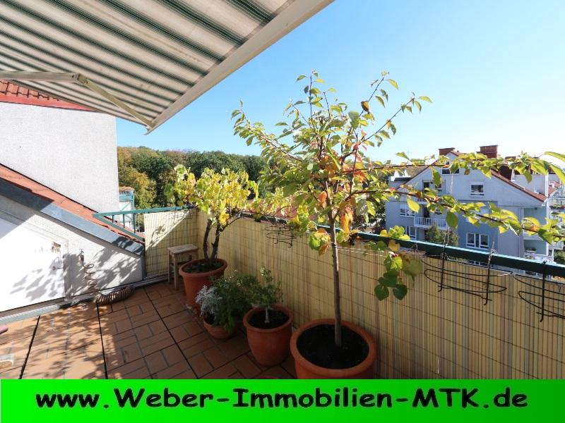 Immobilienmakler in Kriftel AIRY maisonette, near REBSTOCKPARK, urban FOREST near by, SUNNY roof balcony, GALLARY, TWO bathrooms, FIRE-place connection