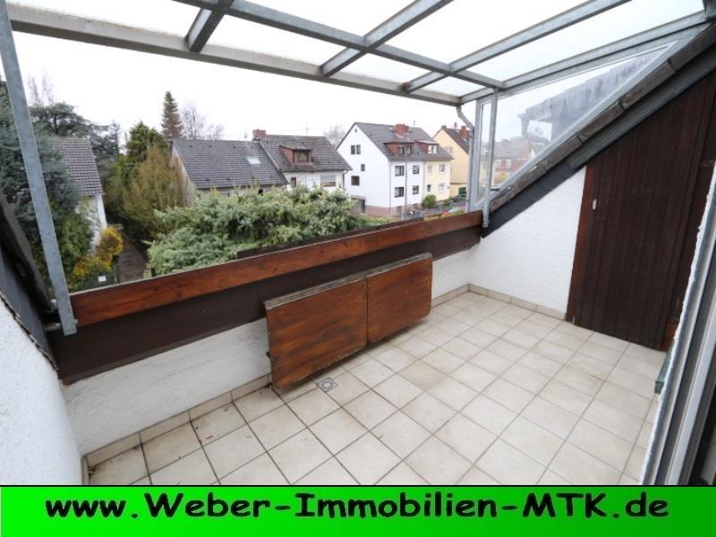 Immobilienmakler in Kriftel GROSS-zügige 3 ZKB in kl. WE mit Dusch und Wannenbad, zusätzl. Gäste-WC, Loggia