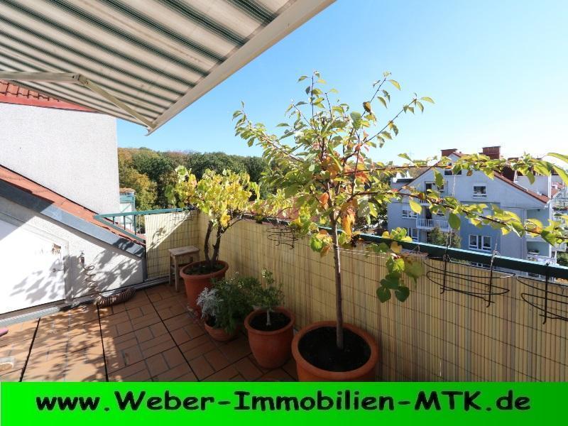 Immobilienmakler in Kriftel LUFTIGE Maisonette Nähe REBSTOCK, WALD vor der TÜR, mit SONNEN-Balkon, GALERIE, zwei Bädern, KAMIN-Anschluss