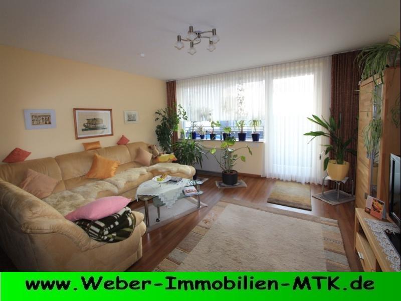 Immobilienmakler in Kriftel Weitläufiger Wohn-TRAUM mit SONNEN-Balkon, TGL-Wannenbad, WOHN-Küche und Stellplatz