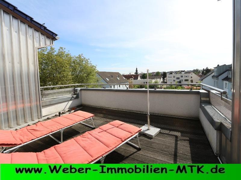 Immobilienmakler in Kriftel LUFTIGE-DG Wohnung, OHNE Schrägen mit TRAUM-hafter Dachterrasse, WOHN-Küche, TGL-Bad